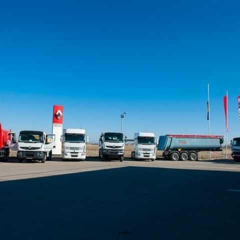Презентация автомобилей на автоцентре Renault trucks